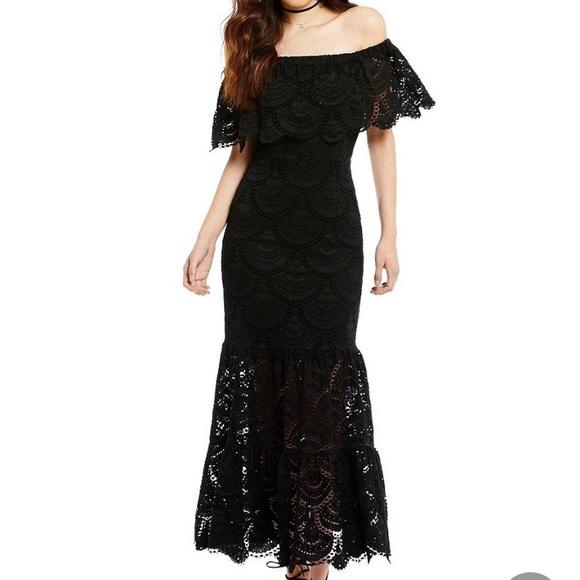 ed755810b0498 New Gianni Bini off the shoulder black lace dress